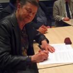 Maryvonne signe la charte du réseau